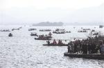 昨天,西湖上的游船很忙。 - 浙江新闻网