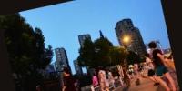 小区居民想清静 大伯大妈们要锻炼、娱乐 广场舞纠纷怎么解 - 杭州网